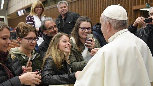 """Santa Sé: """"Reconhecer a riqueza e a força ética e espiritual das mulheres"""""""